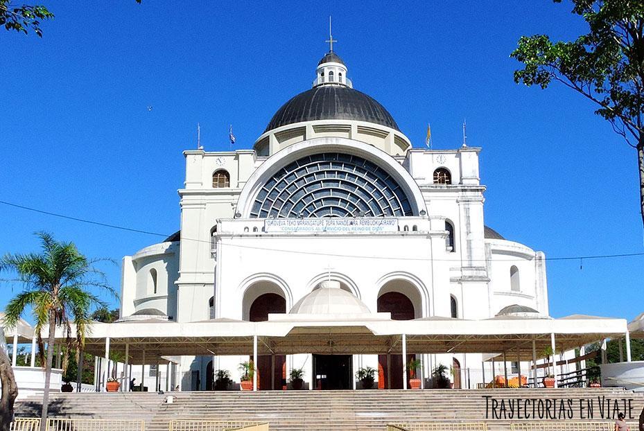 Plaza de la basílica de Caacupé Paraguay