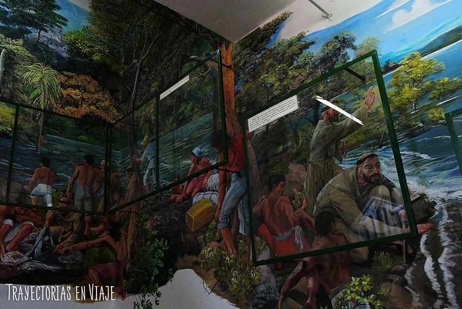 Mural de la historia de la Virgen de Caacupé Paraguay