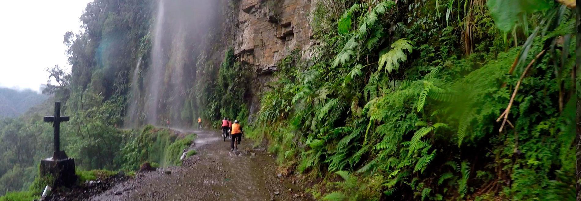 Camino de la Muerte: De La Paz a Coroico en bicicleta ...