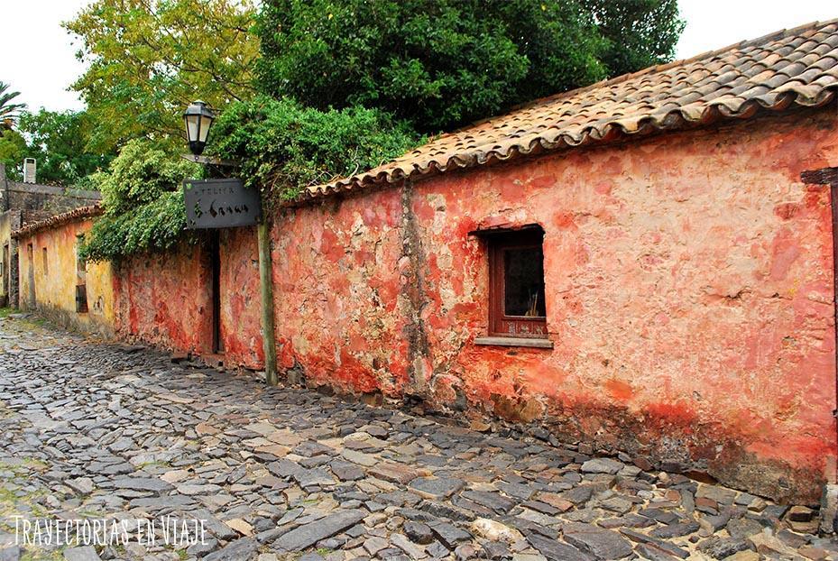 Calle de los Suspiros en Colonia Uruguay