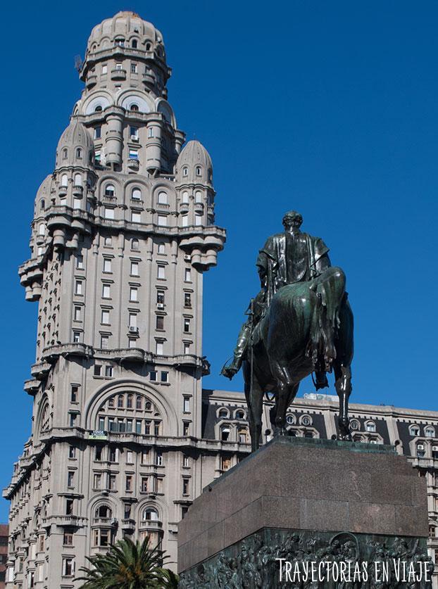 Monumento artigas en Montevideo Uruguay