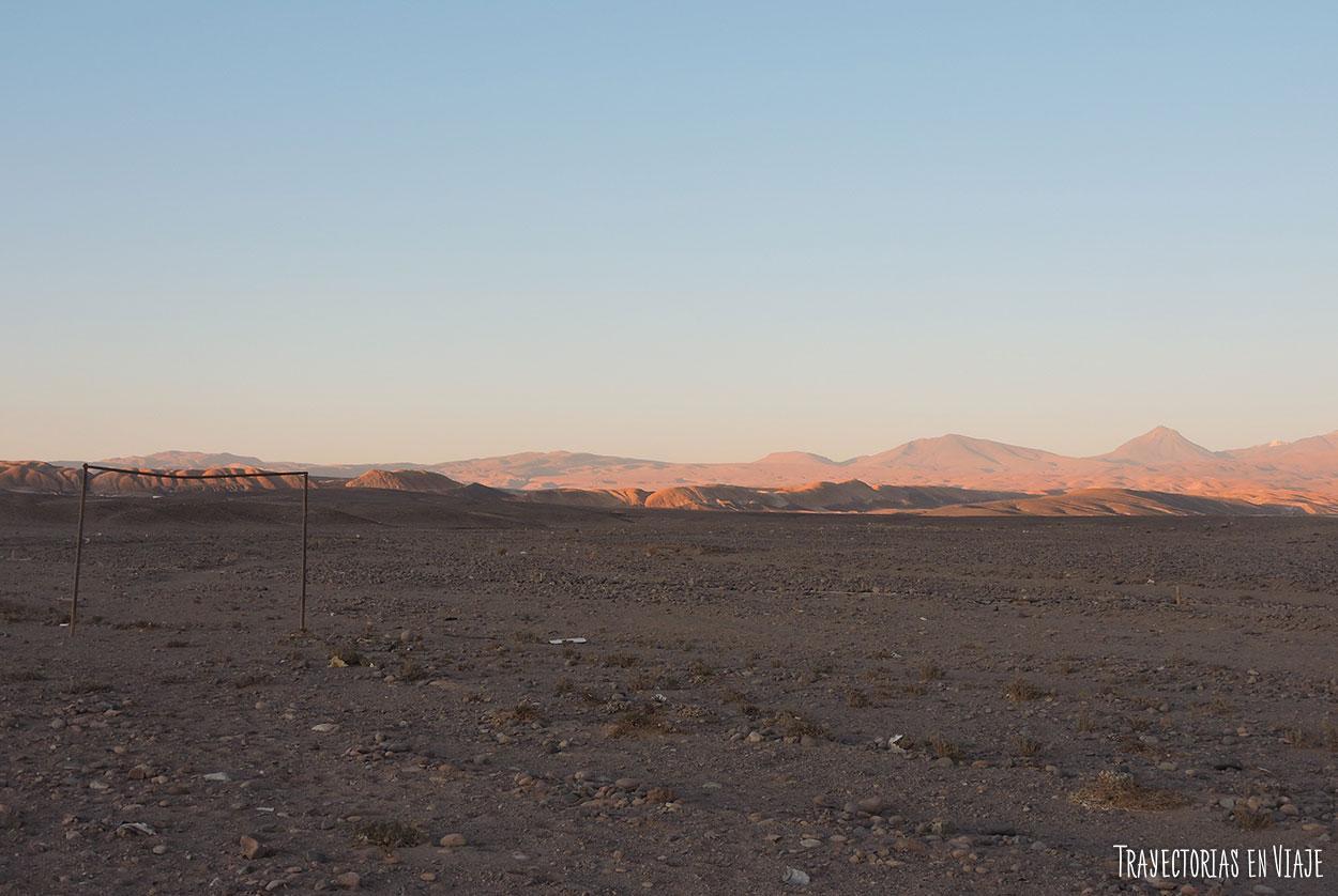 Arco en medio del desierto.