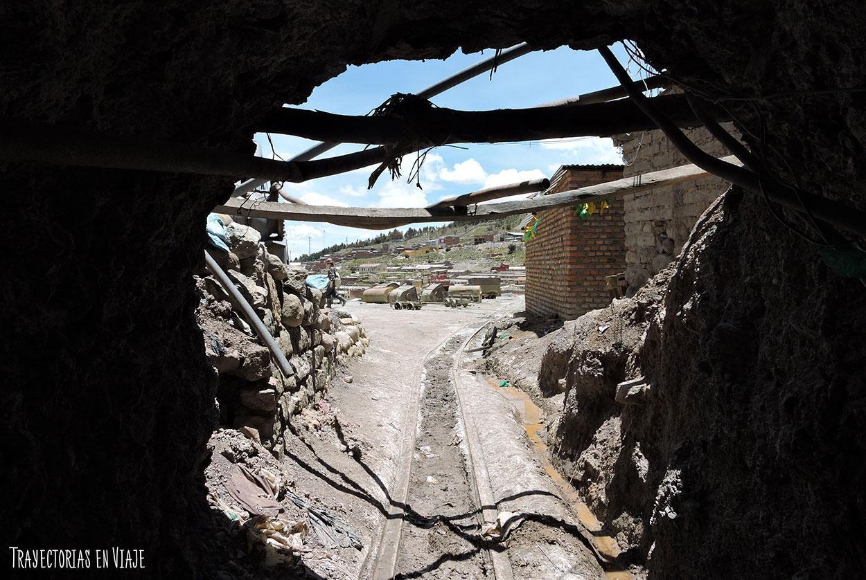 Salida de las minas de Potosí