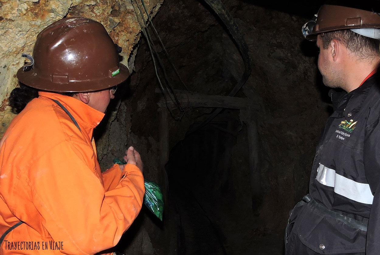 Oscuridad en las minas de Potosí