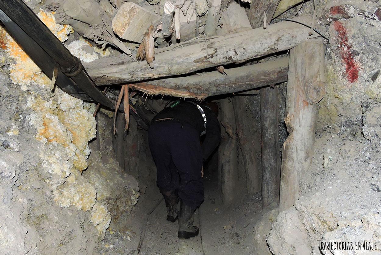 En las pequeñas minas de Potosí