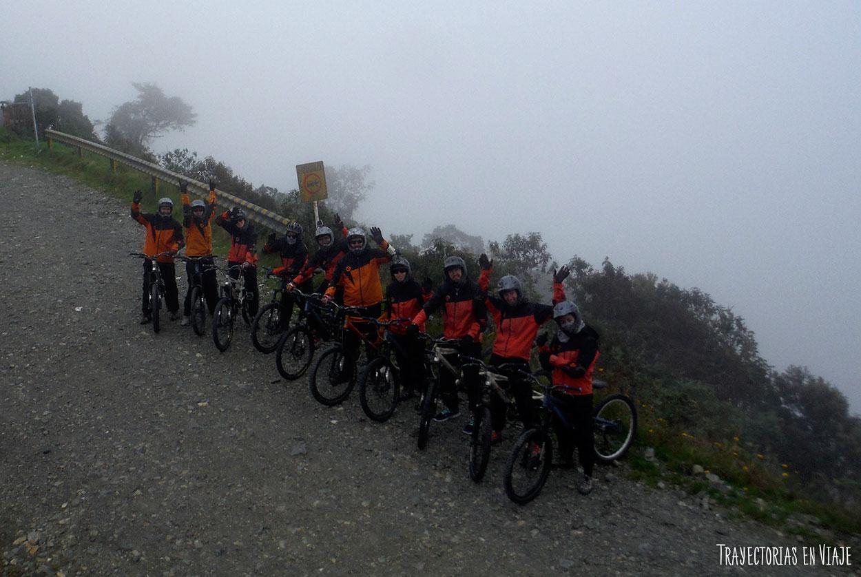 En bicicleta por el Camino de la Muerte