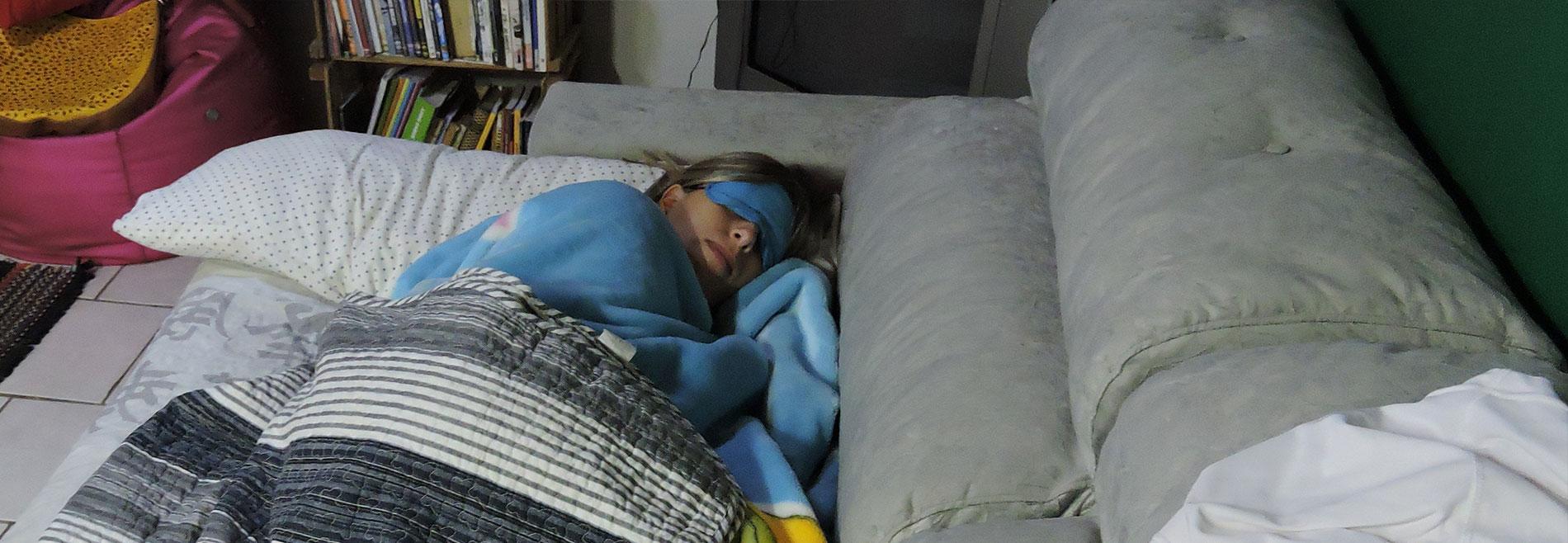 Couchsurfing literal
