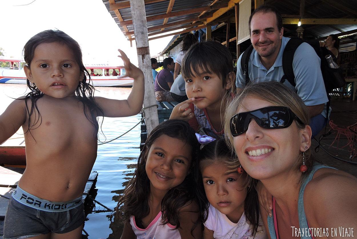 Niños de la Amazonía brasileña.