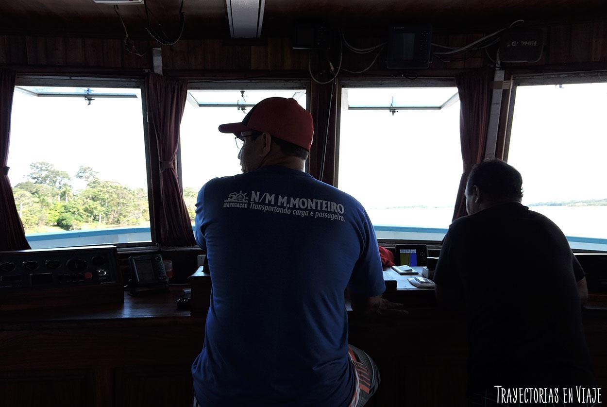 Barco que hace el recorrido por el Amazonas de Brasil