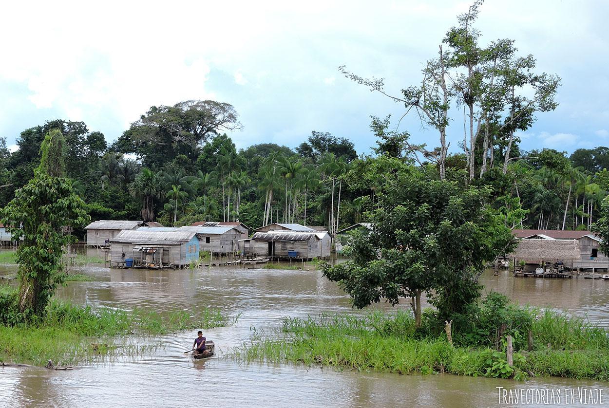 viaje en barco por la amazonia brasilera