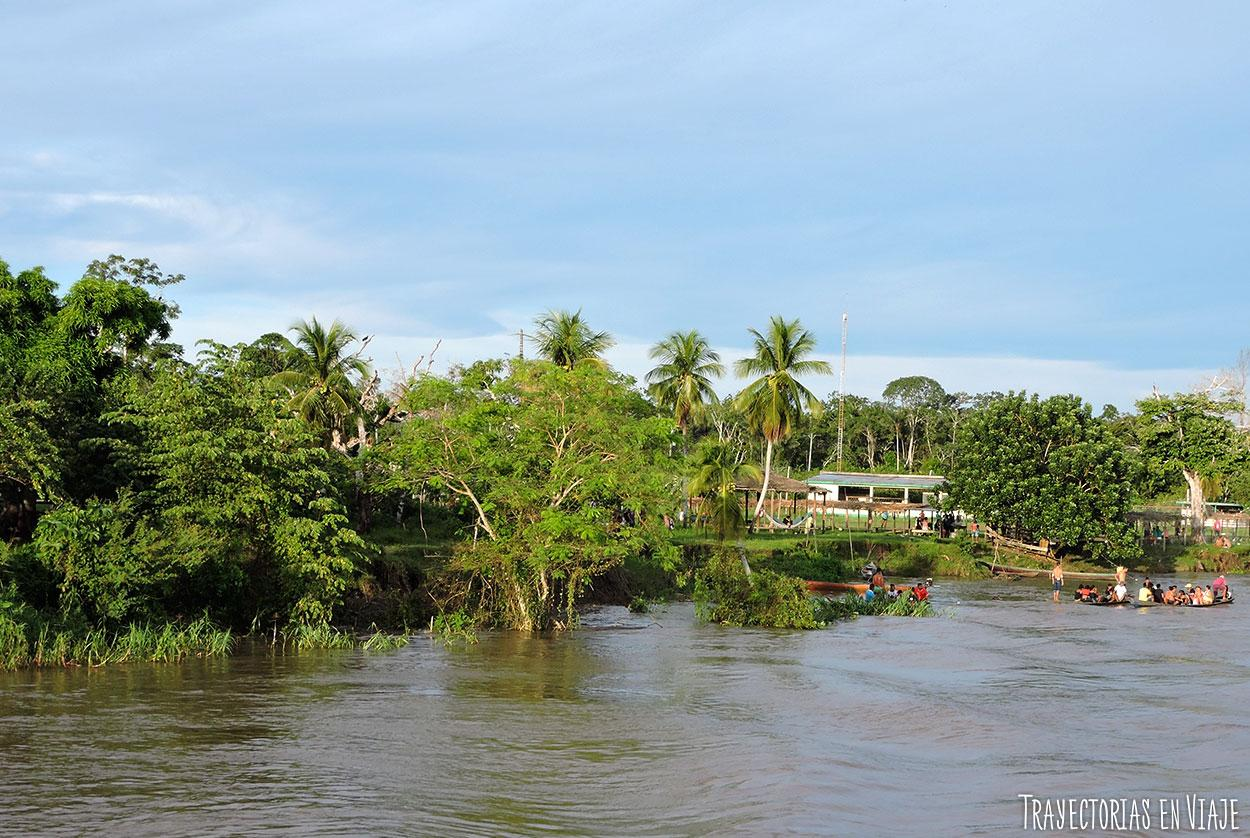 Domingo en familia en el Amazonas de Brasil